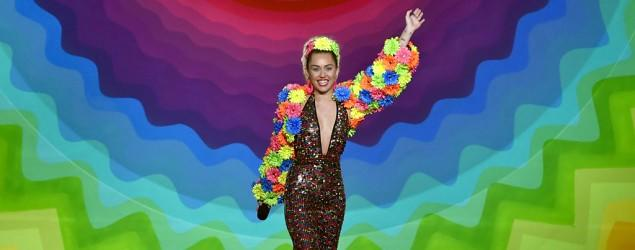 Miley Cyrus rocks outrageous VMA fashion