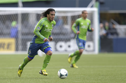 Rosales' equalizer gives Sounders 2-2 tie at Union