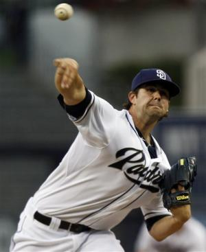 Padres' Kelly wins MLB debut, 3-0 over Braves