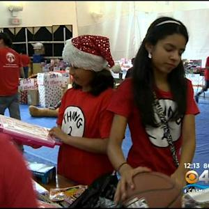 Miami Rescue Mission Helps Local Community On Christmas Eve
