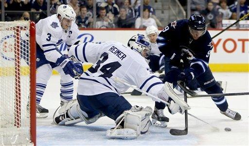 Wheeler scores 2 and Jets beat Maple Leafs 5-2