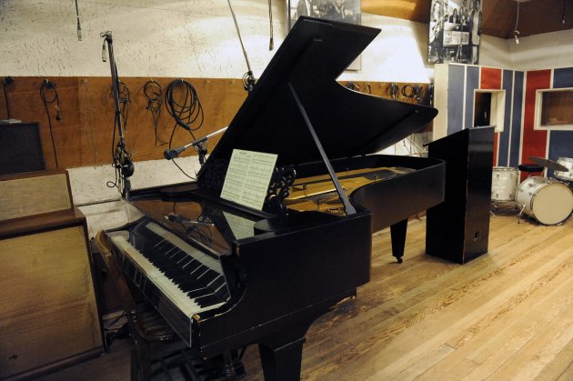 In this Oct. 31, 2011 photo, an 1877 Steinway grand piano used by Motown artists is seen in a Motown recording studio in Detroit. Now that an 1877 Steinway grand piano used by Motown artists has been restored, it&#39;s time for the historic instrument to be played. And who better to do that than ex-Beatle Paul McCartney, who orchestrated the piano&#39;s refurbishment, and Berry Gordy, the architect of the Motown music label. (AP Photo/Detroit News, David Coates) DETROIT FREE PRESS OUT; HUFFINGTON POST OUT ; MAGS OUT; MANDATORY CREDIT