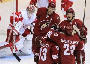 Coyotes beat Red Wings 3-1 to end losing streak