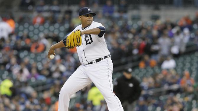 Detroit Tigers starting pitcher Alfredo Simon throws during the first inning of a baseball game against the New York Yankees, Monday, April 20, 2015, in Detroit. (AP Photo/Carlos Osorio)