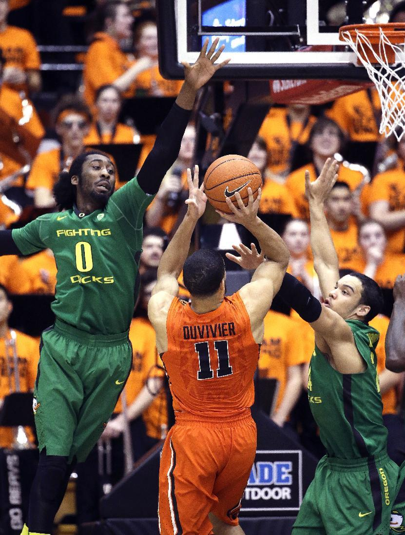 Oregon gets past Oregon St. in hotly contested rivalry game