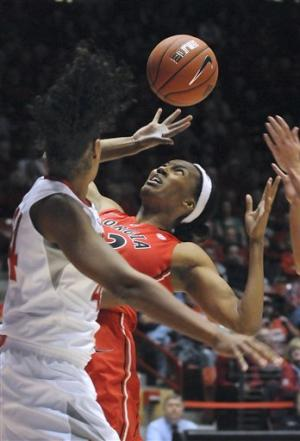 James helps No. 8 Georgia beat New Mexico 72-42