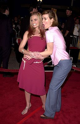 Premiere: Jaime Pressly and Sarah Paulson at the LA premiere for Columbia's Tomcats - 3/28/2001 Photo by www.wireimage.com