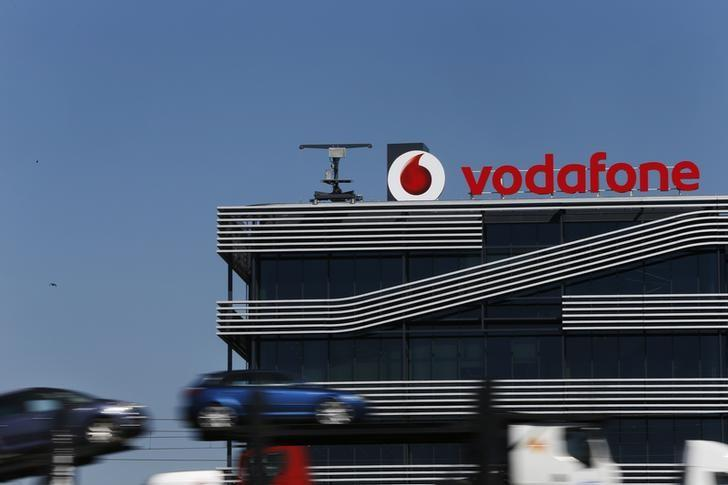 Vodafone to get $850 million Canada finance, mainly for BlackBerry