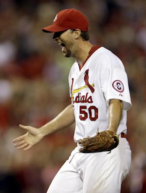 Wainwright sharp, Cardinals beat Braves 3-1