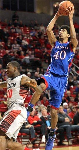 No. 6 Kansas beats Texas Tech 60-46
