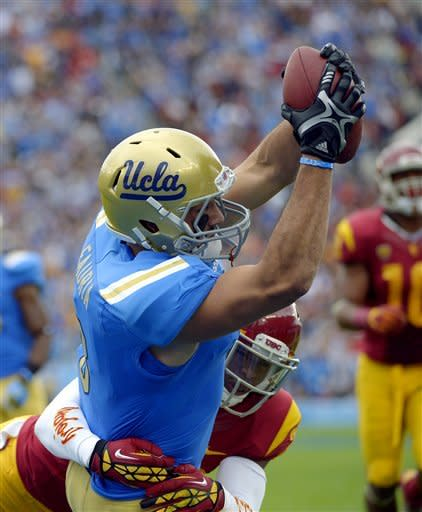 No. 17 UCLA knocks off No. 21 USC 38-28