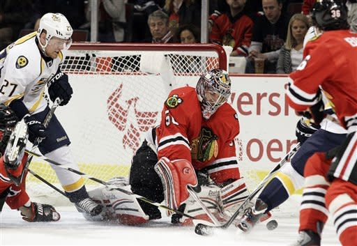 Rinne leads Predators past Blackhawks
