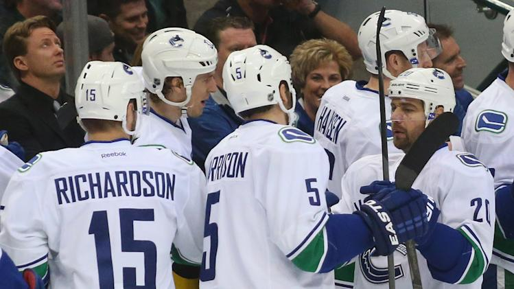 Vancouver Canucks v Dallas Stars