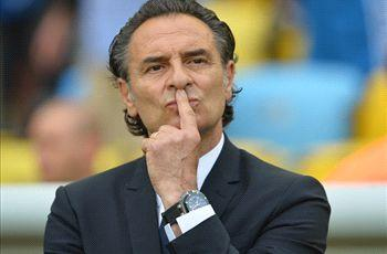 Prandelli: Italy team confined to hotel but we're staying in Brazil