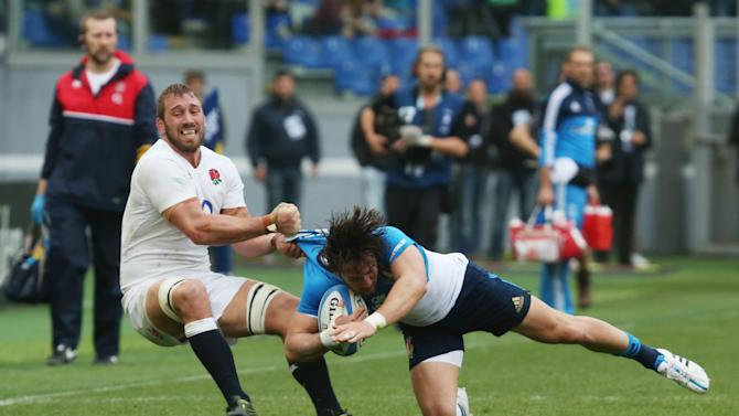 England's Chris Robshaw in action with Italy's Michele Campagnaro