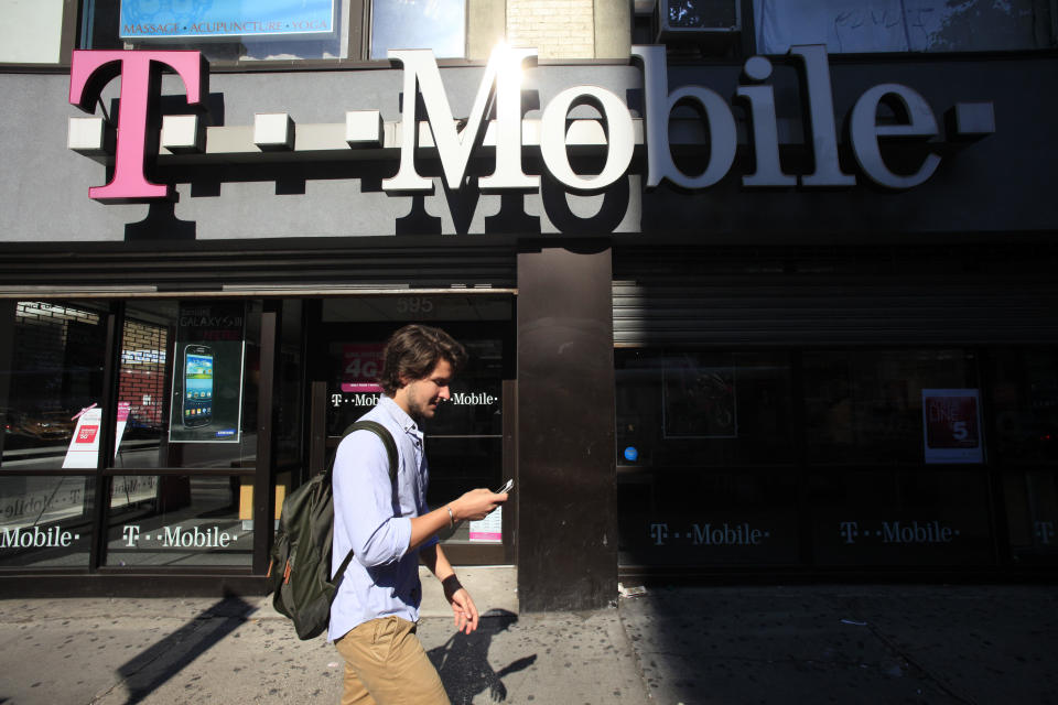 T-Mobile, MetroPCS unite to battle larger rivals