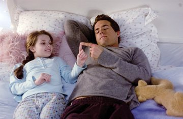 Abigail Breslin and Ryan Reynolds in Universal Pictures' Definitely, Maybe