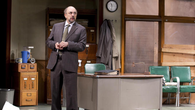 """This undated publicity photo released by Jeffrey Richards Associates shows Richard Schiff in a scene from """"Glengarry Glen Ross"""" at the Gerald Schoenfeld Theatre in New York. (AP Photo/Jeffrey Richards Associates)"""