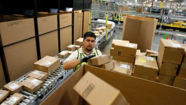 Amazon and eBay battle in Washington over Internet sales tax