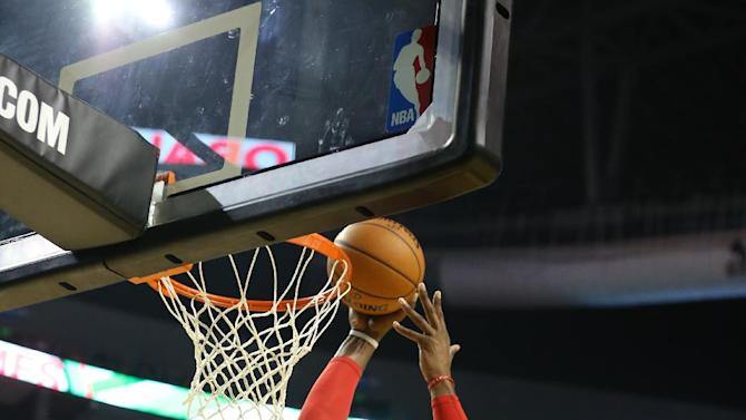 Howard scores 22, Rockets beat T-Wolves in Mexico
