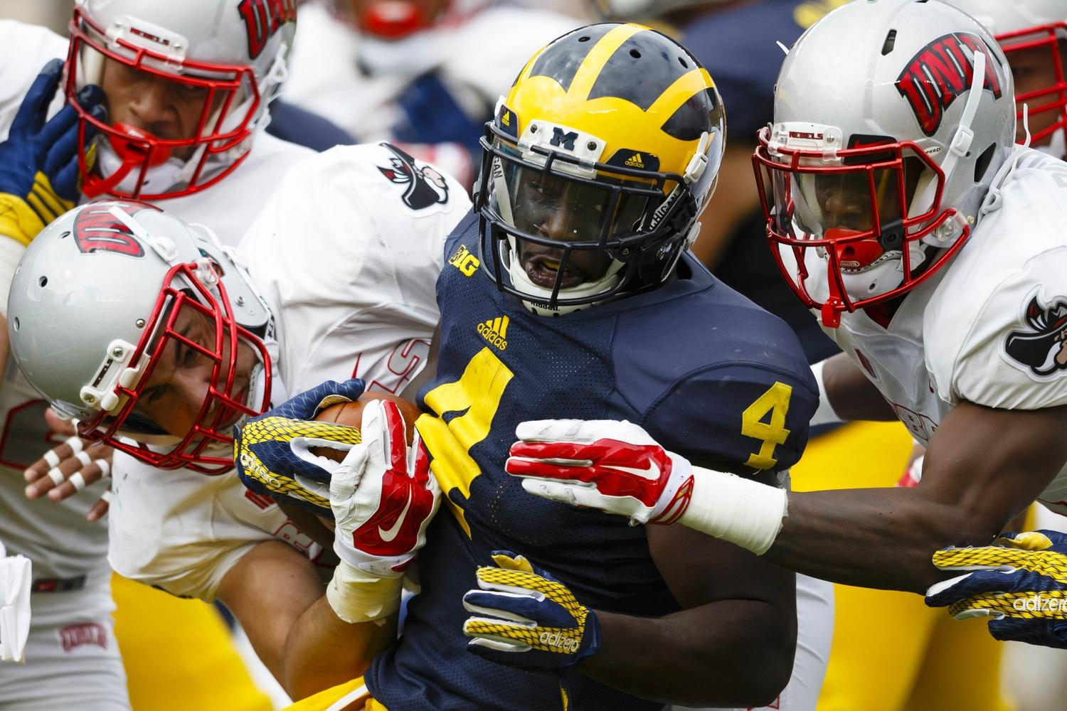 Reports: Star Michigan RB out with injury vs. Maryland