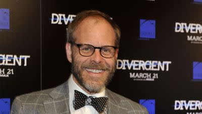 Alton Brown Revealed as Host of 2015 James Beard Awards