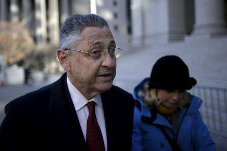 Juror in N.Y. lawmaker's corruption trial asks to quit