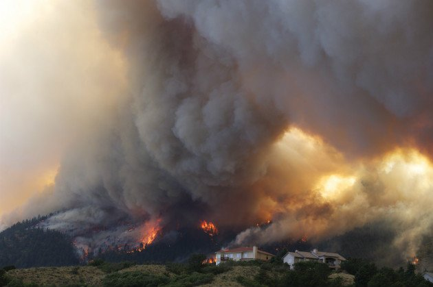 Colorado wildfire expands viciously, Obama plans visit - Yahoo! News