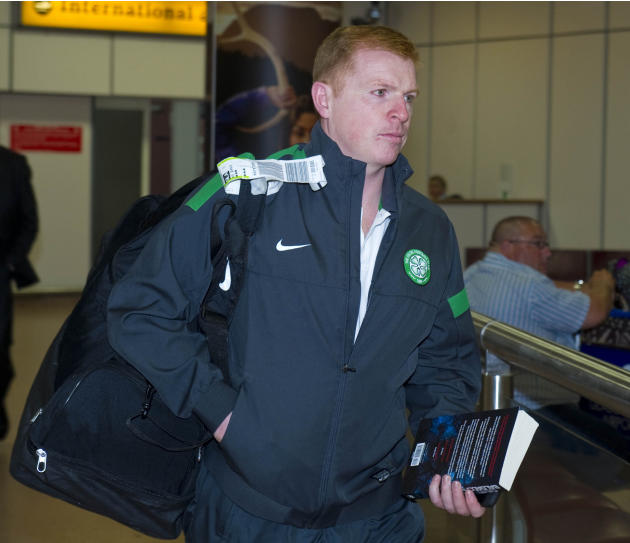 Soccer - UEFA Champions League - Group H - AC Milan v Celtic - Celtic Return - Glasgow Airport