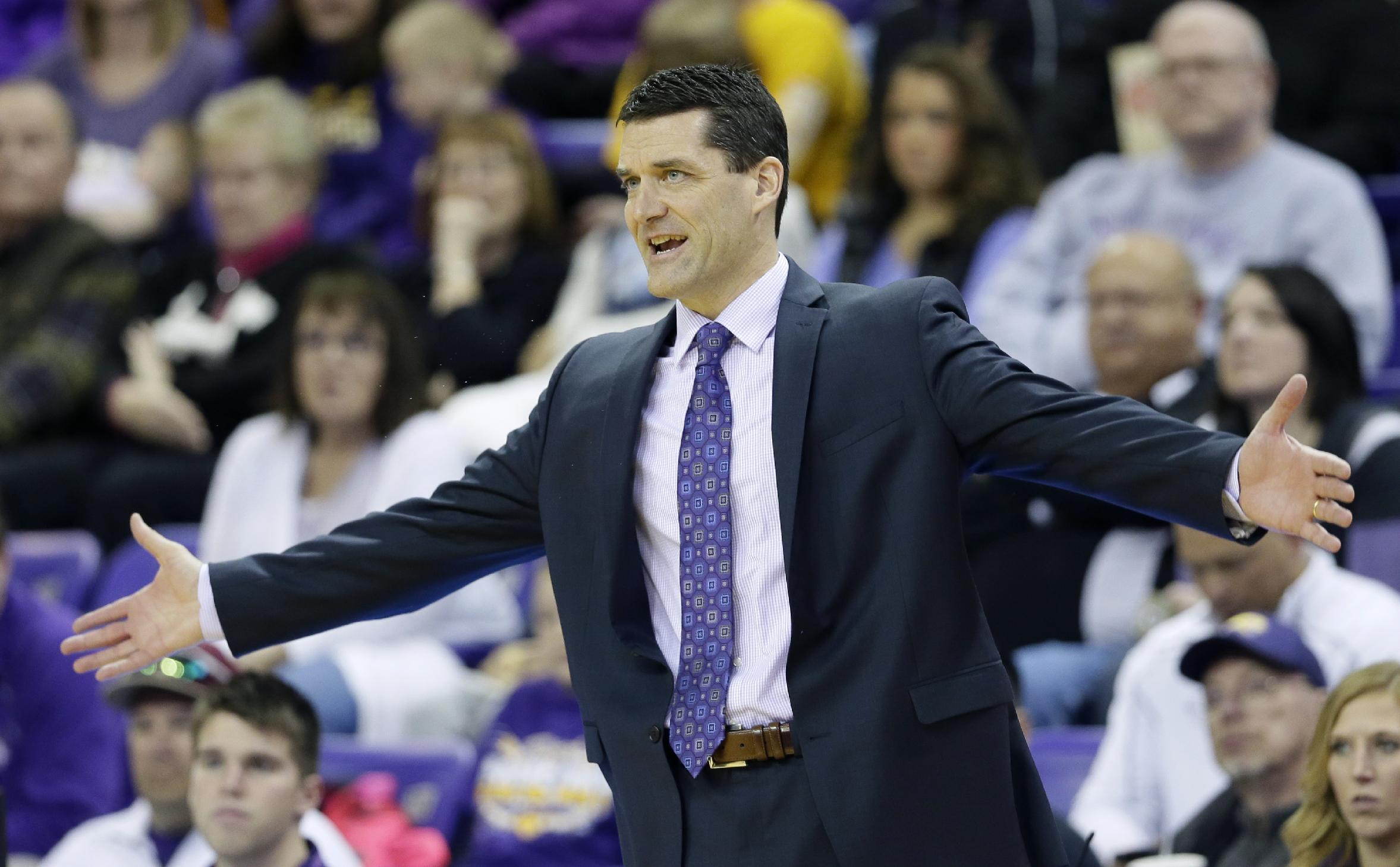 Northern Iowa's Ben Jacobson rescued a stranded driver