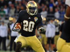Running back Cierre Wood: Just one Notre Dame star who won't play in Dublin — Getty