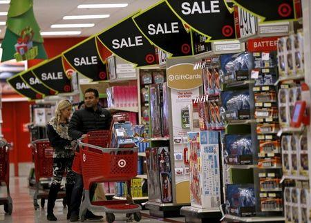 Strong U.S. consumer spending counters recession fears