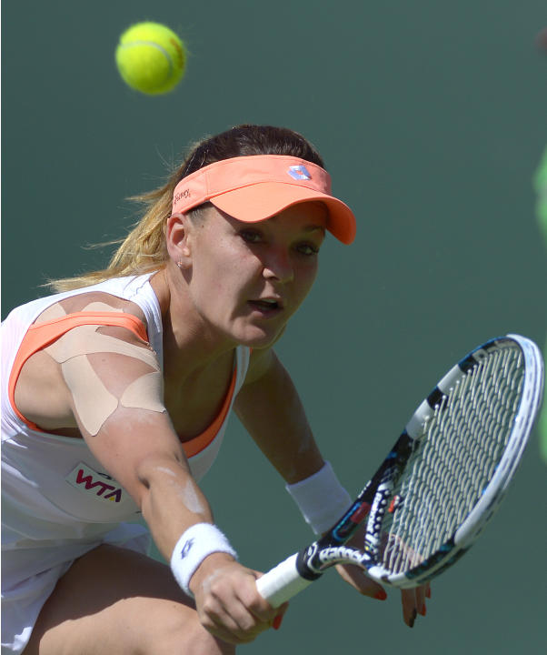 Agnieszka Radwanska advances at Indian Wells