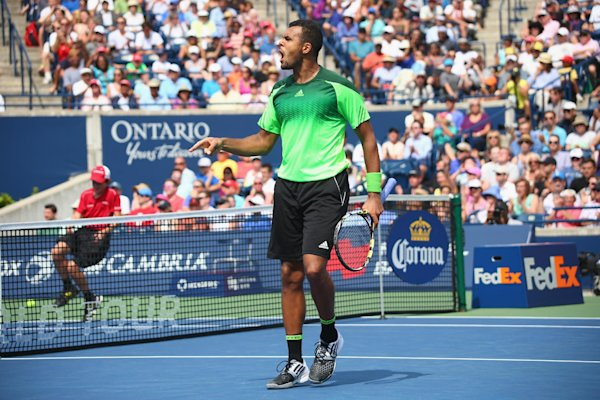 Tsonga downs Murray to reach Toronto semi-finals