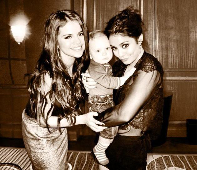 "Celebrity Twitpics: Selena Gomez tweeted an adorable snap of herself with Vanessa Hudgens and a baby on the set of their latest movie. She tweeted it alongside the caption: ""Not a bad day in the offic"