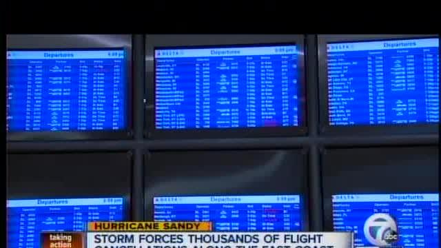 Superstorm Sandy forces thousands of flight cancellations