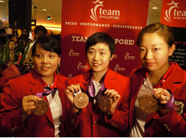Singapore's paddlers return home with two bronzes from London. (Yahoo! photo)