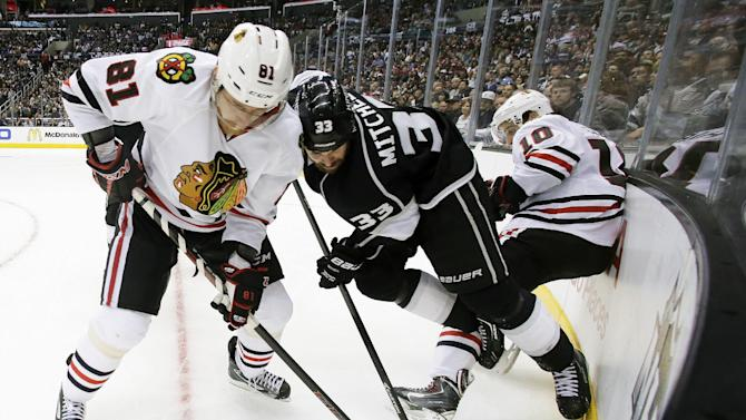 Blackhawks look for turnaround against Kings