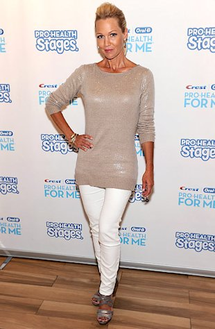 Jennie Garth Attributes Weight Loss to Post-Divorce Stress