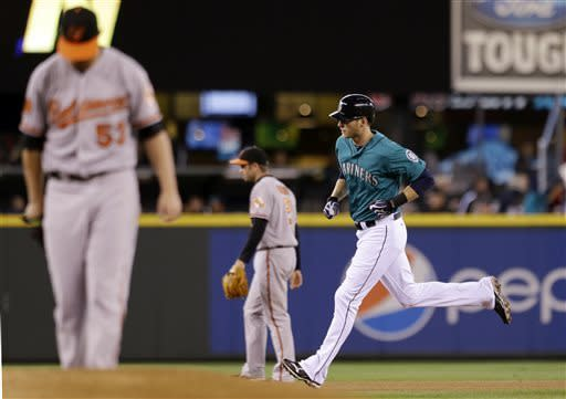 Saunders throws 4-hitter, Mariners top Orioles 6-2