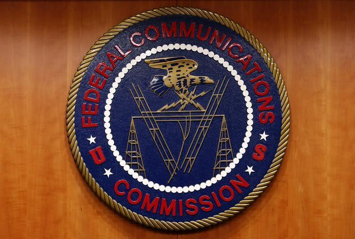 FCC to open up valuable airwaves for tech and telecom companies