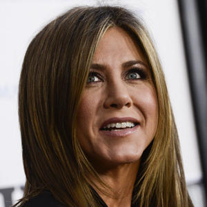 Aniston Judges Stern's Ice Bucket Challenge