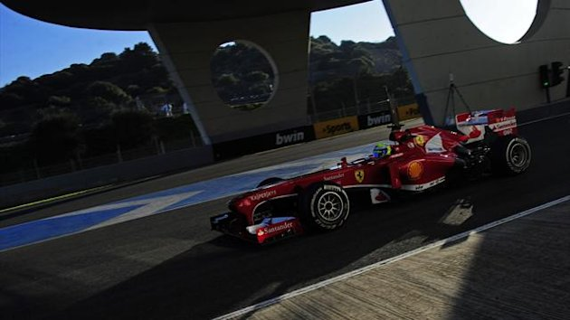 Ferrari&#39;s Brazilian driver Felipe Massa steers his Formula One during the test at Jerez (AFP)