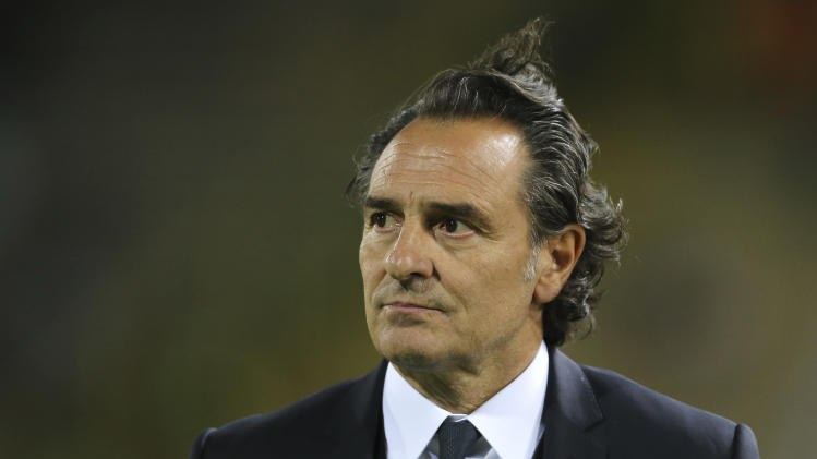 Italy switches focus to attacking under Prandelli