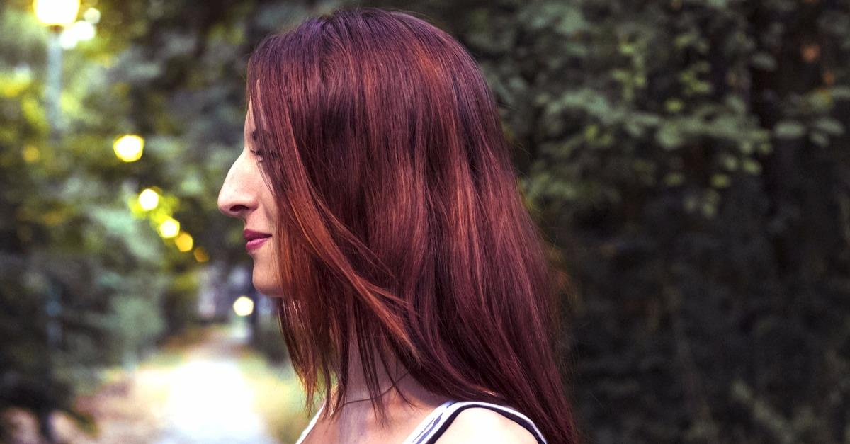 The Hottest Home Hair Color Trend This Year