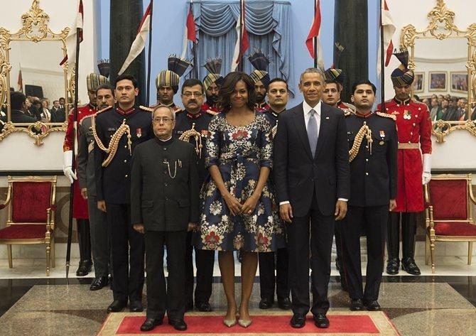 Crucial Update: Michelle Obama Managed to Match 14 People, Two Mirrors, Two Chairs, Five Flags, and Some Drapes
