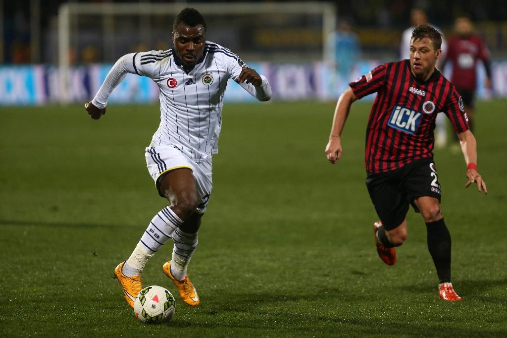 Emenike back in Istanbul after tantrum exit