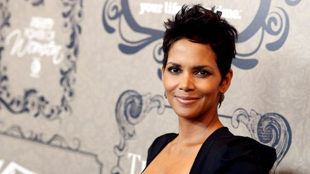 Halle Berry on Challenges of Life in a 'Fishbowl'