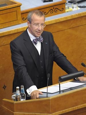 Estonian President Toomas Hendrik Ilves addresses the parliament in Tallinn, Estonia, Monday, Aug. 29, 2011. Estonia's parliament on Monday re-elected U.S.-educated President Toomas Hendrik Ilves for a second five-year term as head of state of the eurozone newcomer which is celebrating 20 years of independence from the Soviet Union. (AP photo/Timur Nisametdinov/NIPA)