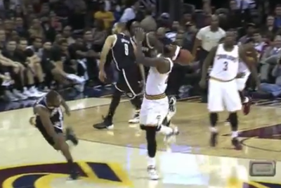 Dion Waiters continues plan to become Cavs' No. 1 option by doinking LeBron with a pass
